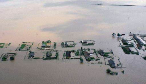 中朝国境鴨緑江で洪水、住民多数避難 中国側で4人死亡