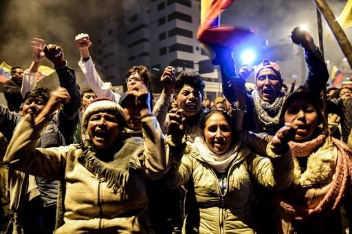 エクアドル大統領と先住民団体、デモ終結で合意 燃料補助金廃止を撤回