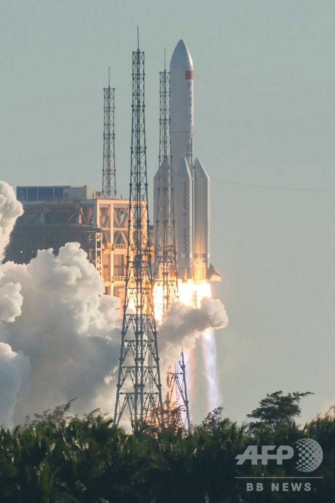 中国、新型宇宙ロケットの打ち上げに成功