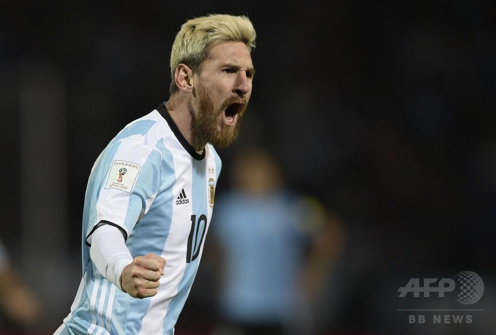 代表復帰戦で決勝点のメッシ「とても幸せ」、アルゼンチンが南米予選首位に