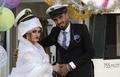 素晴らしい思い出をもう一度、イラン・イラク戦争後初の水上結婚式