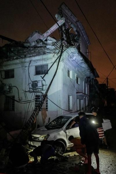 キューバの首都で竜巻 3人死亡、172人負傷