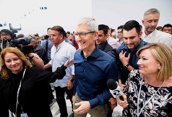 アップル、雑誌や新聞も「定額制」へ