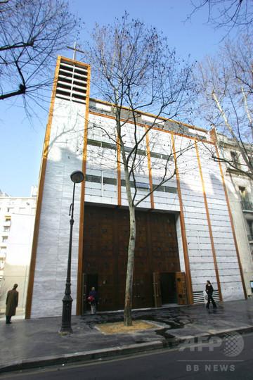 小銭がない?カードで献金すればいいじゃない、仏パリの教会