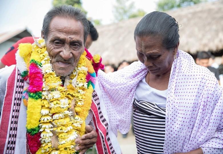 インド人男性、家族と40年ぶり再会 きっかけはユーチューブ