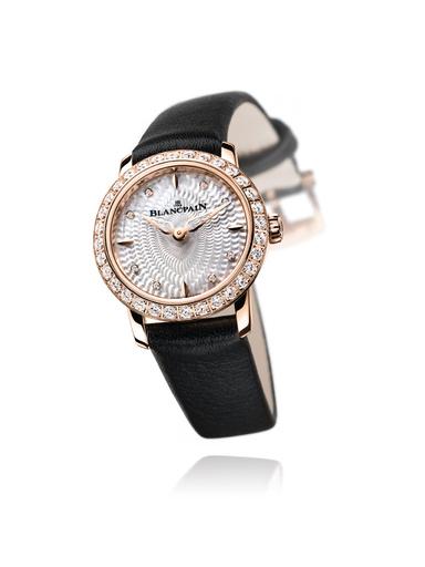 「ブランパン」世界最小の丸型腕時計、日本限定モデル