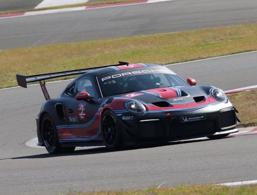 ポルシェの最新市販レーシング・モデル2台試乗 乗りやすくて、恐ろしく速い!
