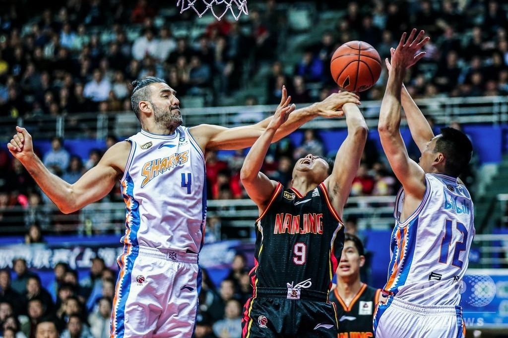 南京事件を引き合いにファンが相手チームに暴言、 中国プロバスケ