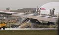 英ヒースロー空港でBA機が着陸に失敗、13人負傷