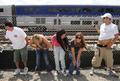 電車にお尻見せてストレス発散、米で毎年恒例のイベント