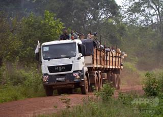 中央アフリカでトラック横転 77人死亡