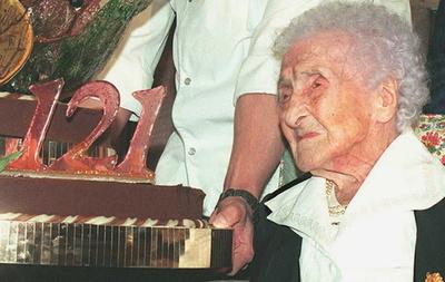 仏女性の世界最高齢記録、実は娘の成り済まし? ロシア研究者の指摘で物議
