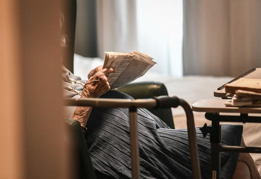 介護施設で102歳女性が92歳入居者を殺害か、フランス