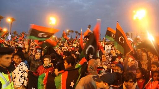 動画:リビア首都、カダフィ独裁崩壊につながった大規模デモから7年を祝う