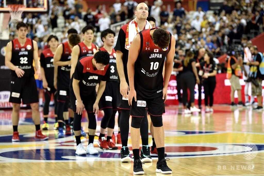 日本は米国に完敗、ギリシャはアデトクンポの活躍で2次Lへ バスケW杯