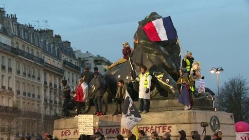 動画:フランスで約34万人が新たなデモ、首相は年金改革めぐる論争の長期化に警鐘