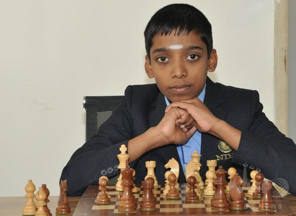 インドの12歳少年、チェスのグランドマスターに 史上2番目の若さ 写真1 ...
