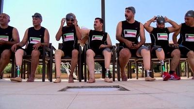 動画:イラクで水泳大会、紛争で手足失った市民ら参加