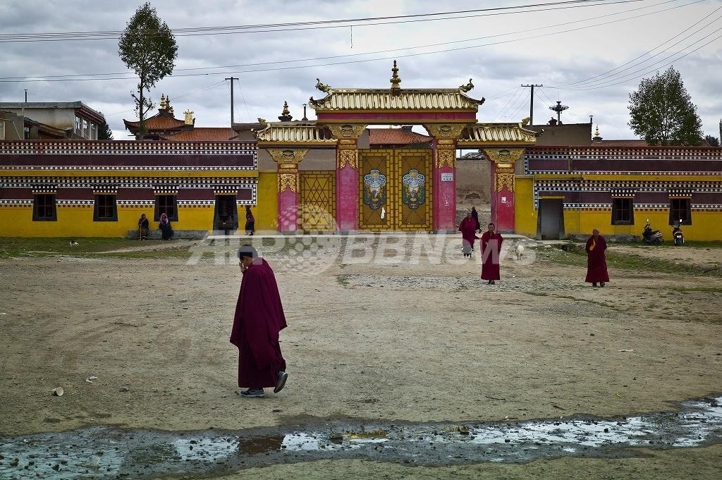 チベット人僧侶また焼身自殺、1年で15件に