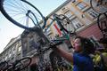 自転車に乗ろう、環境イベント「クリティカル・マス」ハンガリーで開催