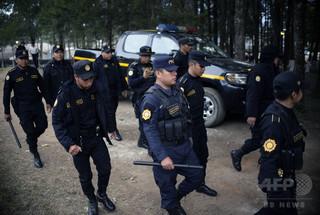 恐喝グループの摘発作戦で170人逮捕、中米グアテマラ