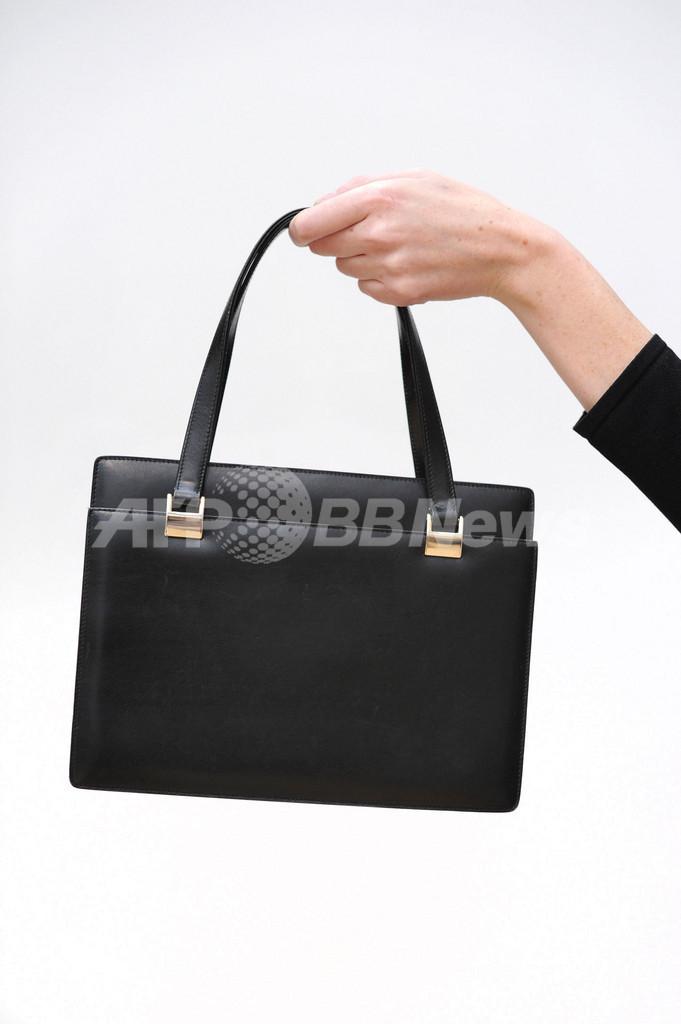 サッチャー元首相のハンドバッグ、325万円で落札 英国 写真3枚 国際 ...