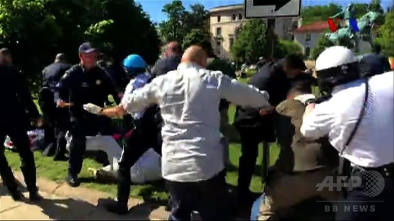 訪米のトルコ大統領の警護隊員がデモ隊に暴行、国務省が懸念表明