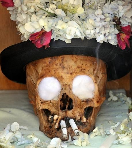 人の頭蓋骨で悪霊退散、ボリビア伝統行事にカトリック教会が自粛要請