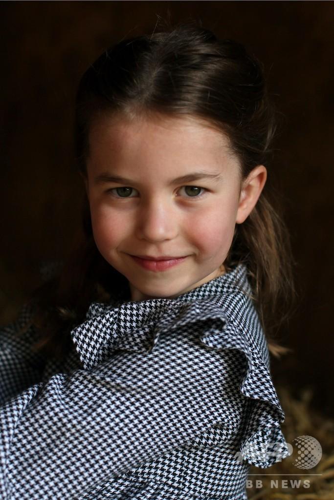 シャーロット王女が5歳に 高齢者に食料届ける写真公開