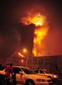 中国・北京のCCTV付属ビルで火災 春節の爆竹が原因か 新華社