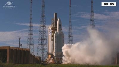 動画: 「アリアン5」打ち上げ、欧州の衛星測位システム用の衛星積み