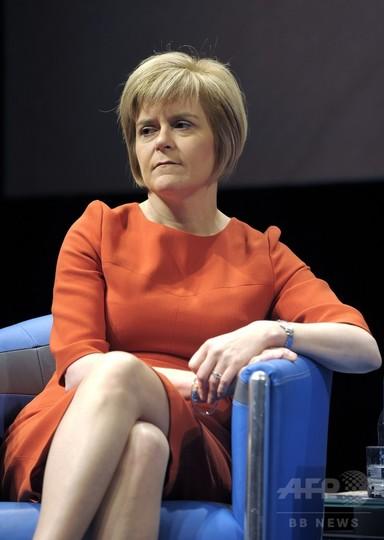 スコットランド民族党の次期党首にスタージョン氏が名乗り