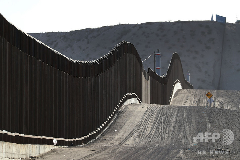 米政府、不法入国者の難民申請拒否へ