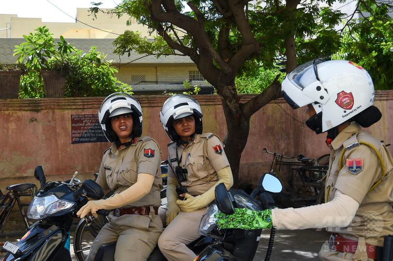 インドの性犯罪と闘う女性警察官...