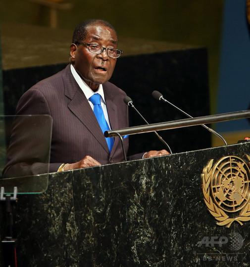 中国の孔子平和賞にジンバブエ大統領、創設者が理由語る