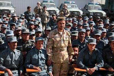 タリバン、米司令官らを銃撃 州警察長官含む3人死亡 アフガン