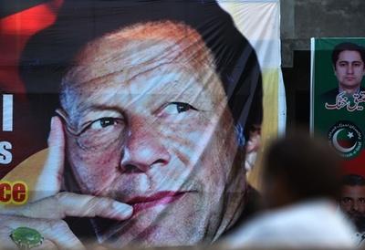 パキスタン、カーン氏政党が連立合意発表