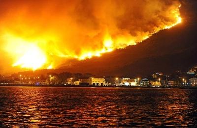 東欧モンテネグロで山火事、国際支援を要請 クロアチアでも火災