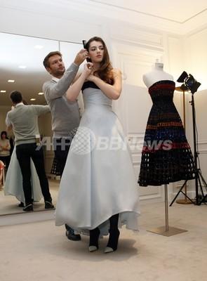 ジョン・F・ケネディ大統領の親族、「ディオール」のドレスで社交界デビュー?