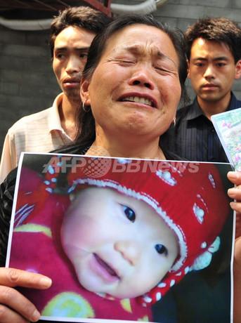 中国メラミン汚染ミルク、100トンが市場に出回る