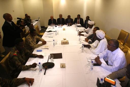 スーダン軍事評議会とデモ指導部が新統治機構で合意、トップを軍民の輪番制に