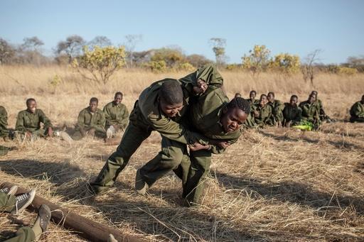 「勇気ある者たち」 密猟と闘う女性だけのレンジャー ジンバブエ