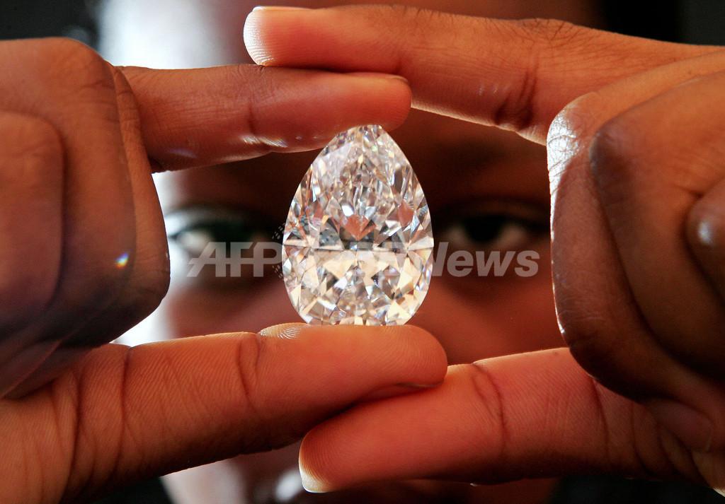 史上15番目に大きいダイヤの原石をカット