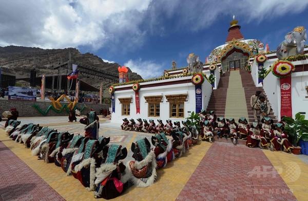 インドの山岳地帯で12年に一度の仏教の祝祭