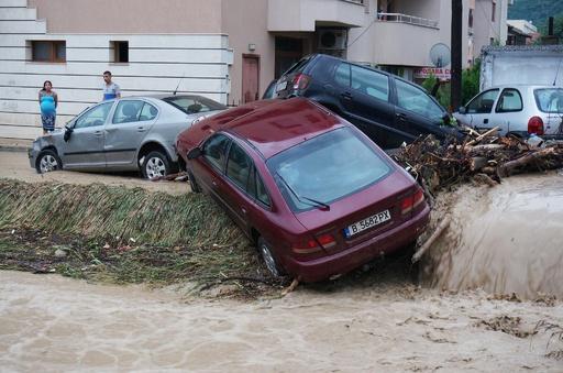 ブルガリアで大洪水、子どもなど10人死亡