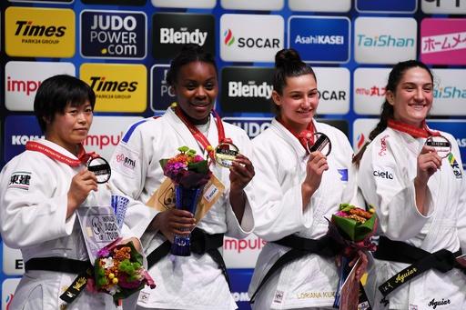 浜田は連覇ならず銀メダル、ウルフは敗者復活で銅 世界柔道