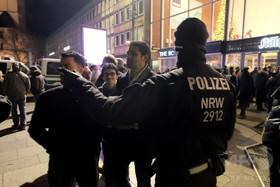 「偽ニュース」に注意を、大みそかのムスリム暴徒記事受け ドイツ