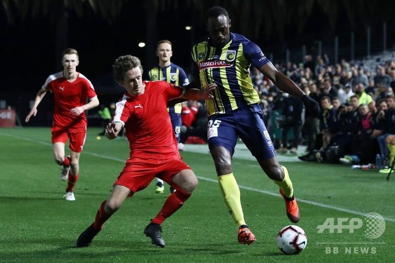 ボルト氏が念願のサッカー選手デビュー、練習試合で20分間出場