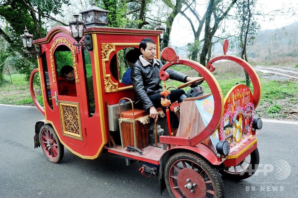農民お手製の「クラシックカー」 優雅に走る 江西・德興