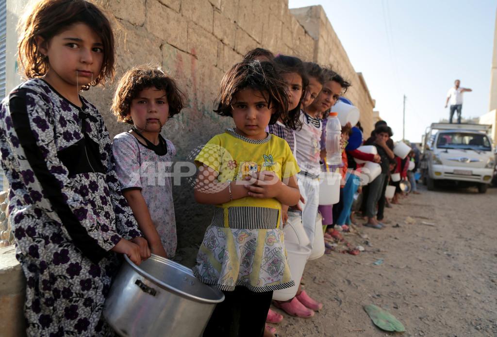 飢えに苦しむダマスカスの子供たち、犬食認める宗教令も